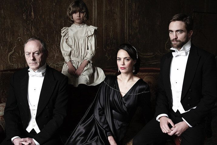 pelicula the childhood of a leader